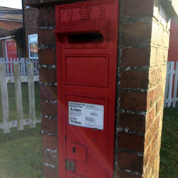 V R Post box in Egerton Forstal